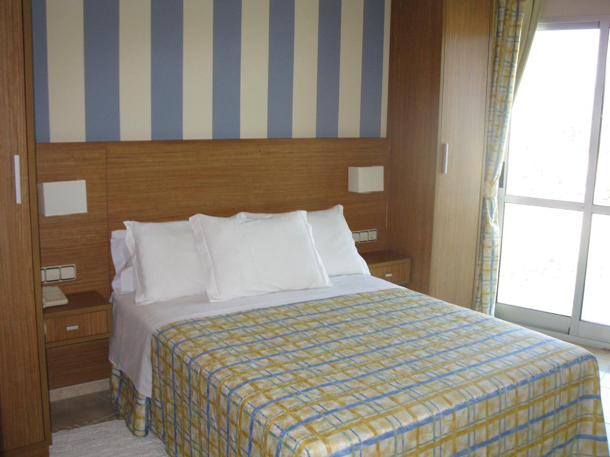 Habitaciones en sanxenxo hotel troncoso web oficial - Decoracion habitacion individual ...